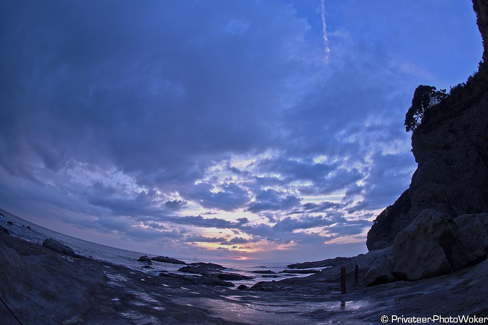 黄昏の海岸