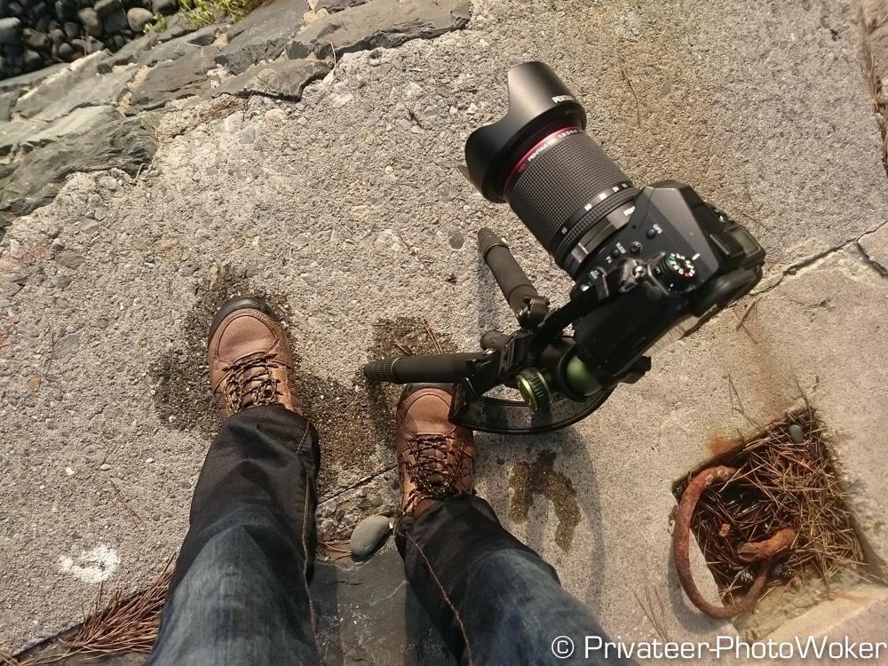 カメラごと波に飲まれる