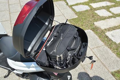 ユーロトップケース39Lとカメラバック