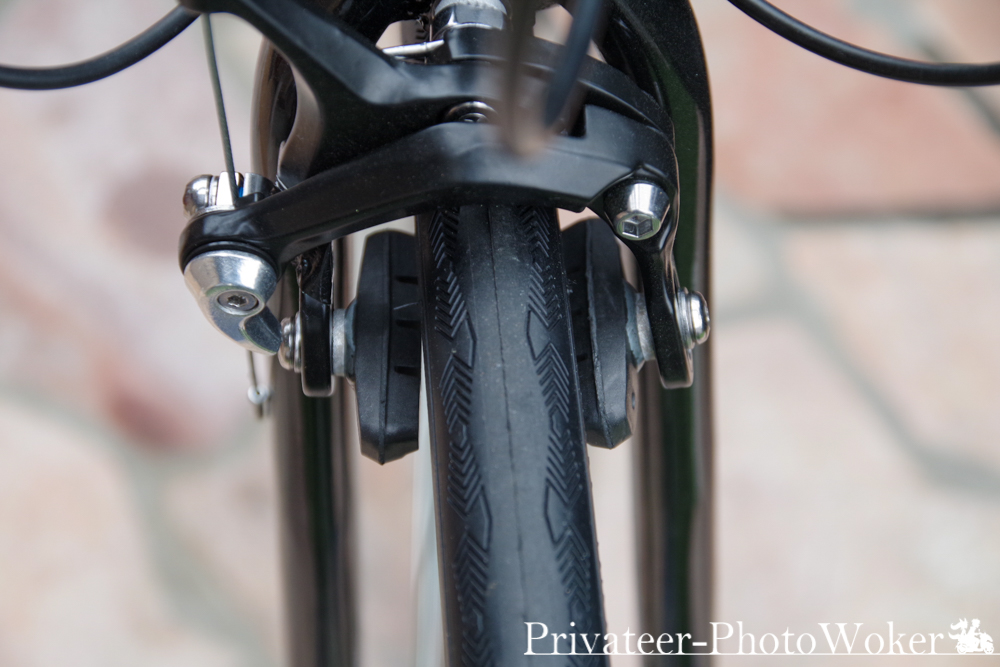 21テクノロジー 組み立て式ロードバイク ブレーキパッド不整合