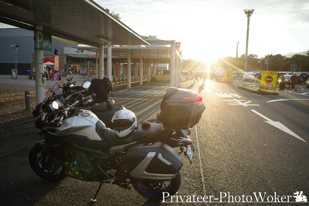 足柄SA バイク置き場