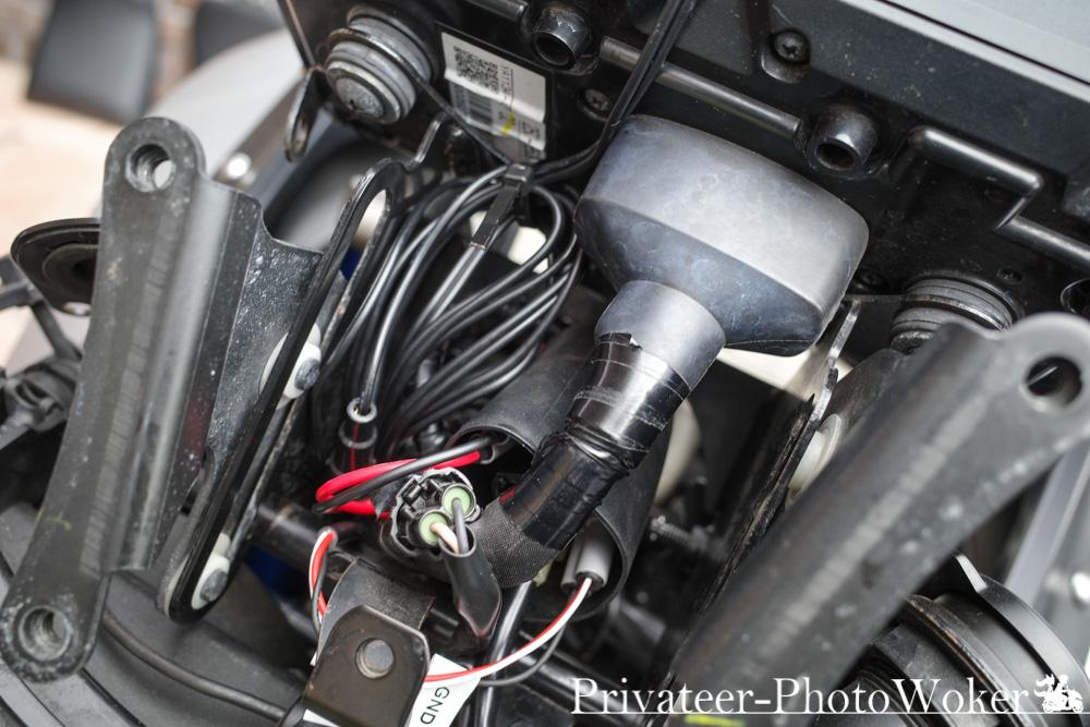 カエディア ワイヤレス充電スマホホルダー 電源ケーブル取り付け